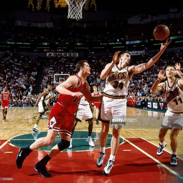 luc longley nike air max uptempo