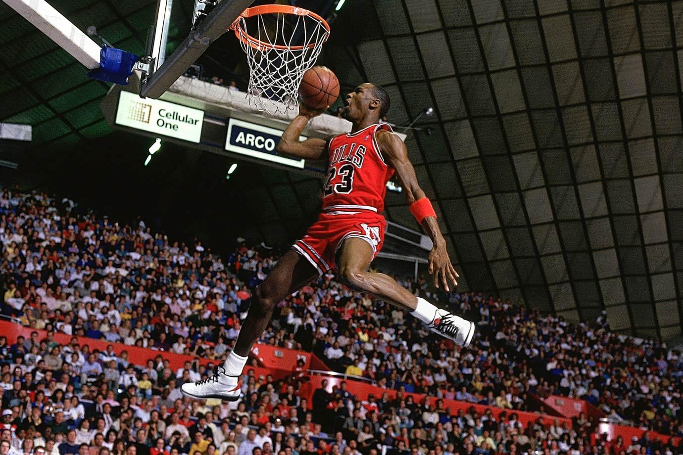 Michael Jordan Photos MJ In The Air 2 At Slam Dunk Contest 1987